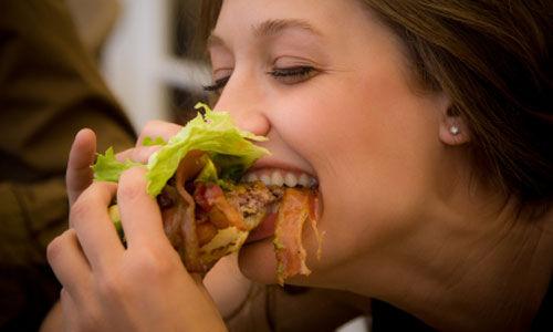 اضطرابات الأكل تؤثر سلبا على خصوبة المرأة .. ؟؟  Main-820