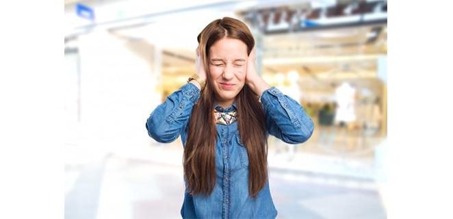 التهاب الاذن الوسطى مع انصباب