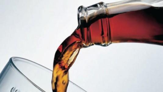 تنصح المراة الحامل بتجنب المشروبات الغازية لاحتوائها على...