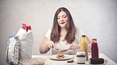 اسباب تناول كميات طعام كبيرة