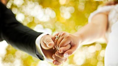 وسائل منع الحمل لحديثي الزواج
