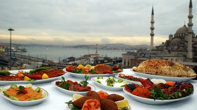 عدم الافراط فى تناول اطعمة العيد .. حافظ على وزنك
