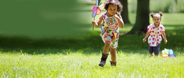 كيف نحمي الأطفال من جراثيم الصيف؟
