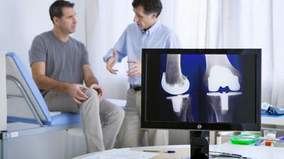 كيفية علاج حالات خشونة الركبة المتقدمة
