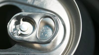 دراسات تؤكد بأن تناول المشروبات الغازية للفتيات تؤدي الى البلوغ المبكر