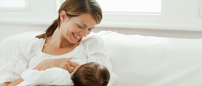 ما هي كمية الحليب للطفل الرضيع ومدة الرضاعة