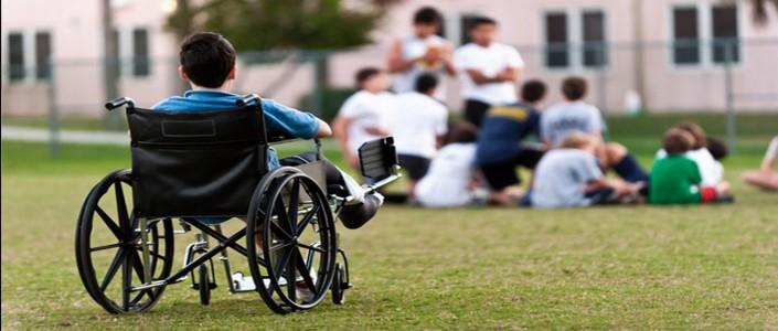 كيف تتعامل الأسرة مع ولادة طفل من ذوي الاحتياجات الخاصة؟