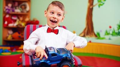 هل الأفضل لطفلك من ذوي الاحتياجات الخاصة العلاج في المدرسة أم البيت؟