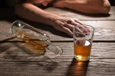 مراحل إدمان الكحول