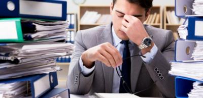 الإنهاك وتأثيره في صحة الموظفين