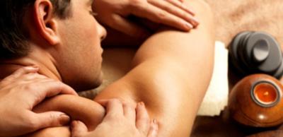 العلاج  بالتدليك يريح  الأعصاب  ويزيل  التوتر