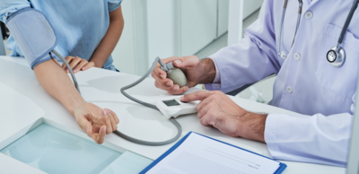 لماذا تحدث التغيرات في ضغط الدم؟