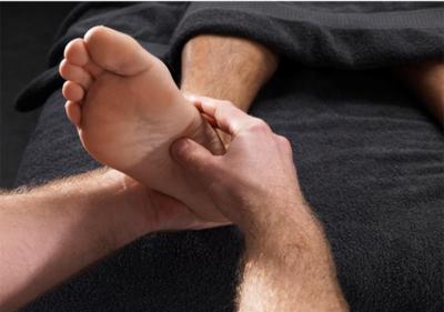 تسعة اعراض مرضية تصيب الاقدام تستدعي استشارة الطبيبI الطبي