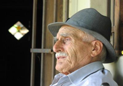 إضاءات على الصحة النفسية في مرحلة الشيخوخة