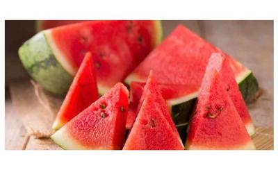 ستة فوائد صحية لأكل البطيخ الاحمر