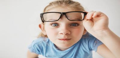 انحراف قرنية العين عند الاطفال