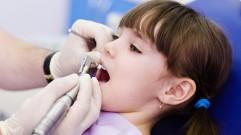 علاج العصب أو المعالجة اللبية للأسنان اللبنية