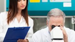 خمسة عشرعرض من أعراض السرطان تتجاهلها النساء