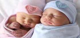 إجابات عن أسئلتك حول الرضاعة الطبيعية للتوائم
