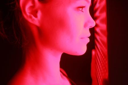 ماذا تعرف عن العلاج بالضوء الأحمر؟