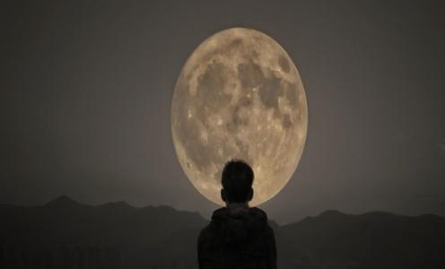 تأثير أطوار القمر على صحة الإنسان