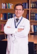 الدكتور NECDET USKENT