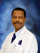 الدكتور عبد الناصر قبيضه اخصائي في جراحة عامة
