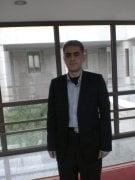 الدكتور عزت احمد