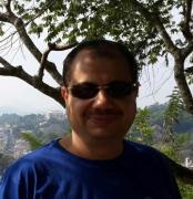 الدكتور مدحت محمد