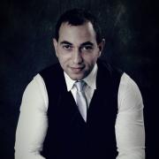 الدكتور عامر الرواجفة