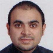 الدكتور احمد تكشام