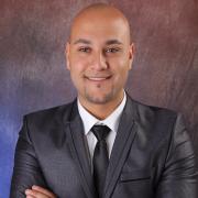 الدكتور احمد عليان