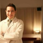 الدكتور مصطفى ابو سبيع