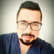 الدكتور احمد ابراهيم عويص