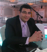 الدكتور محمود زكريا الغريب