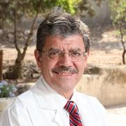 الدكتور نصري خوري