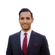 الدكتور سامح  أبو الفتوح  اخصائي في جراحة عمود فقري
