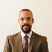 الدكتور اسامه فرغلي عمر