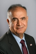 الدكتور محمود الشيخ يوسف