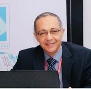 د. فوزي العناني اخصائي في نسائية وتوليد