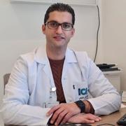 الدكتور ضرار محمود احمد الدبس اخصائي في طب اسنان