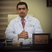 الدكتور علي فايز أبو لباد اخصائي في جراحة العظام والمفاصل