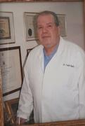 الدكتور فلاح خليفه اخصائي في نسائية وتوليد