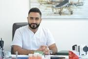 د. محمد العموري اخصائي في جراحة الفك والأسنان