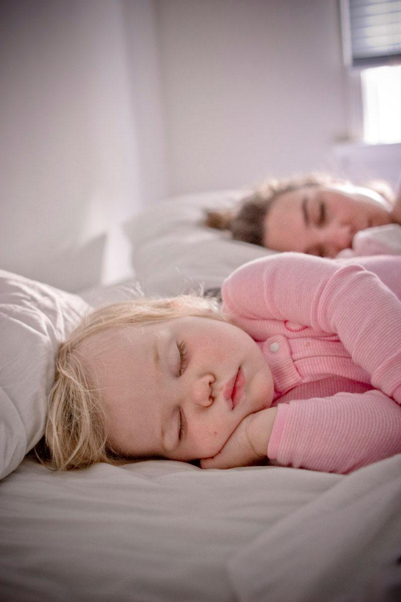 عمل الأم يسبب زيادة وزن الطفل