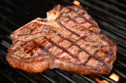 اللحوم الحمراء قد تزيد خطر الاصابة بسرطان الامعاء