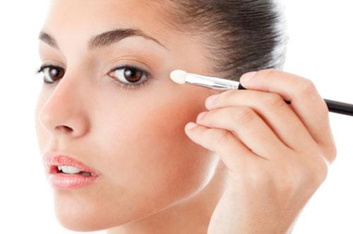 نصائح لتجنب الأثار السلبية لمستحضرات التجميل