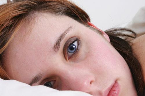 اضطرابات النوم تزيد من خطر إصابة المرأة بالآلام العضلية الليفية
