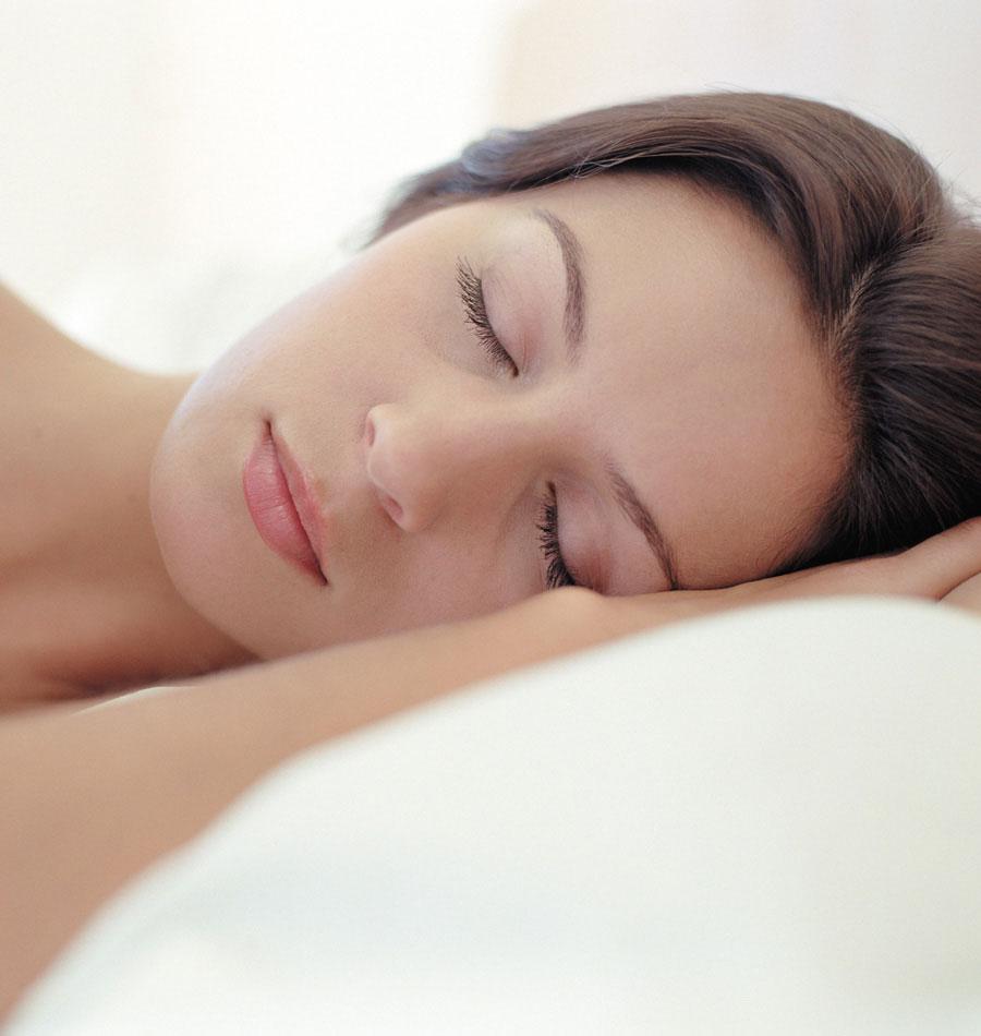 النوم القليل يسبب الأكل الكثير!!
