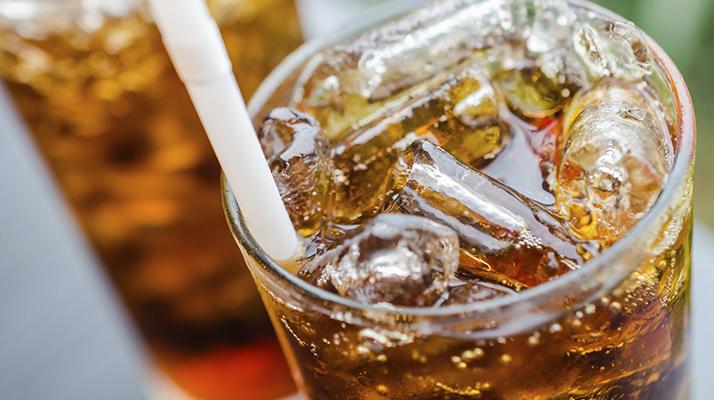 ملونات الكراميل الموجودة في مشروبات الكولا قد تسبب السرطان